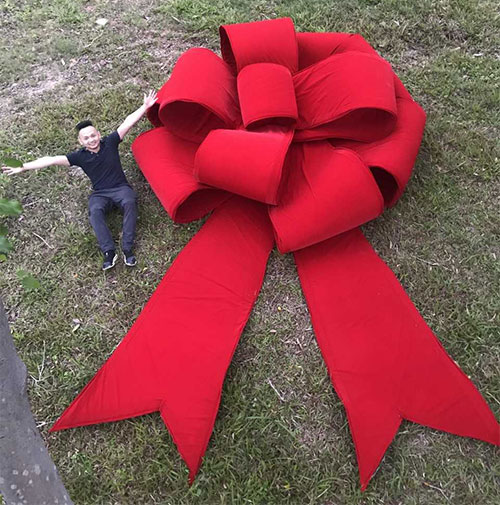 10 Foot Giant Red Bow
